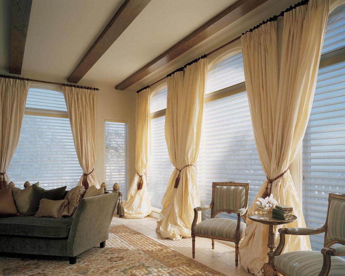 большие шторы в гостиную фото